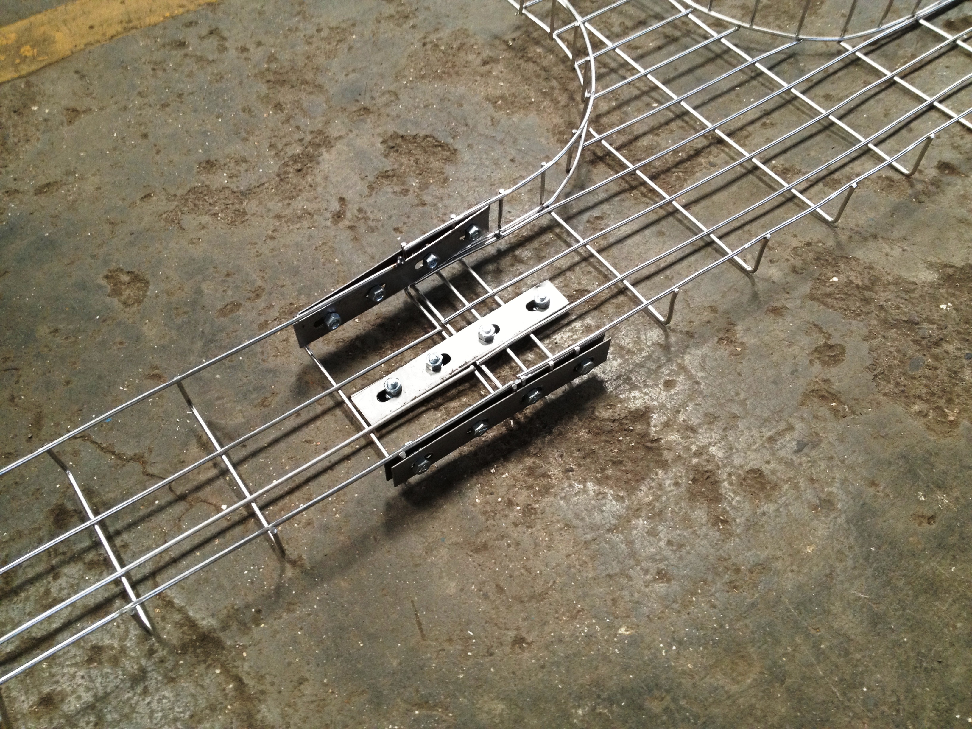 Products | Wire Mesh Cable Tray ::